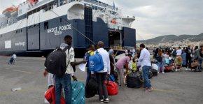 Μυτιλήνη: 230 πρόσφυγες αναχώρησαν για τονΠειραιά