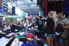 Την ώρα που οι Τούρκοι μας απειλούν με πόλεμο, εμείς τρέχουμε μιλιούνια για ψώνια στην αγορά τηςΑδριανούπολης