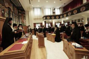 Σύνοδος της Ιεραρχίας: Να παραμείνει στο Δημόσιο ο κλήρος – Ιερόθεος Ναυπάκτου: «Προσπαθήσαμε να κρατήσουμε τηνενότητα»