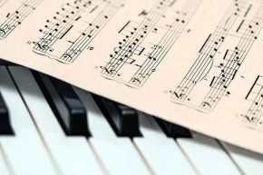 Μετά από ελληνική ιστορία, γλώσσα, πίστη και μαθηματικά στο στόχαστρο και η μουσική: «Δεν θα διδάσκεται πλέον όπως τηνξέρουμε»