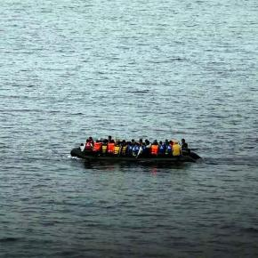 Μετανάστες εντοπίστηκαν σε λέμβο νότια τηςΚρήτης