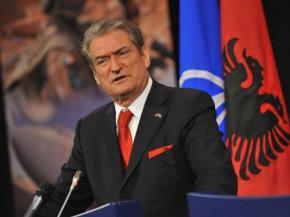 Μπερίσα: Να σταματήσει ο εορτασμός του «'Οχι» στηνΑλβανία