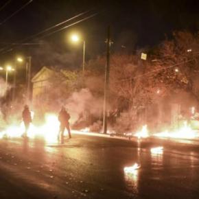 """""""Κάηκε"""" ξανά το Πολυτεχνείο – Οδοφράγματα, μολότοφ, φωτοβολίδες καιχημικά"""
