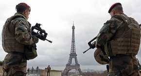 Στα «όπλα» οι Γάλλοι στρατηγοί: «O Μακρόν διαλύει το Έθνος, ώρα γιαδράση»