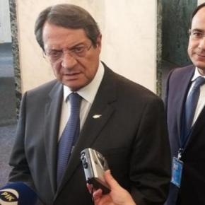 Κύπρος: Ο Αναστασιάδης δηλώνει άγνοια για όσα είπε ο Τσαβούσογλου στον Κυπριανού περίεγγυήσεων