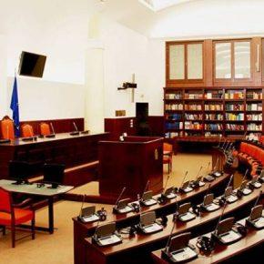 Ξεκινά η επεξεργασία τροπολογιών για το Σύνταγμα στα Σκόπια: Συζήτηση και για τηνυποκοότητα