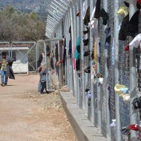 Εκατοντάδες μετανάστες εγκλωβισμένοι χωρίς προοπτική στηΧίο