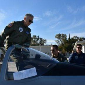 Πέταξε με το νέο εκπαιδευτικό αεροσκάφος της Πολεμικής Αεροπορίας ο αρχηγός ΓΕΑΧριστοδούλου