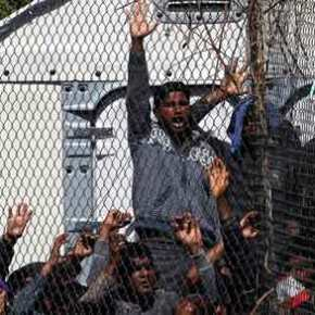 Η βία «σαρώνει» τη Μόρια: Νέο αιματηρό επεισόδιο μεταξύ παράνομωνμεταναστών