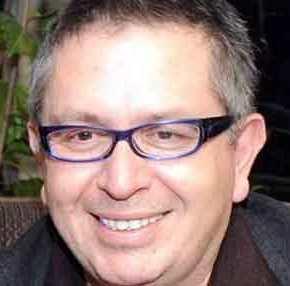 ΕΚΤΑΚΤΟ: Πέθανε ο ΘέμοςΑναστασιάδης