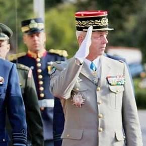 Η ενδυνάμωση της στρατιωτικής συνεργασίας Ελλάδας – Γαλλίας στο επίκεντρο των συνομιλιών των αρχηγών ΓΕΕΘΑ των δύοχωρών
