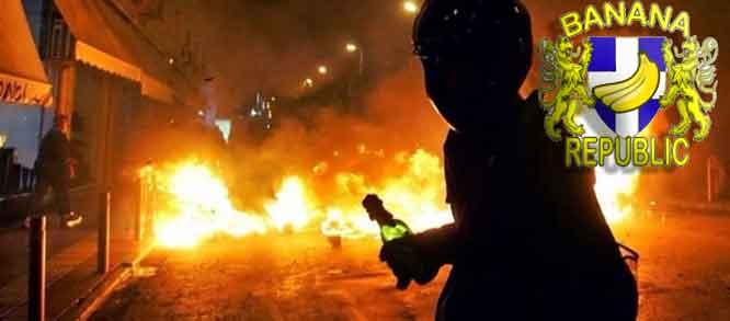 1db24c768d «Καμπούλ» η Αθήνα  Κουκουλοφόροι «βομβάρδιζαν» με μολότοφ επί 45 λεπτά τα  ΜΑΤ