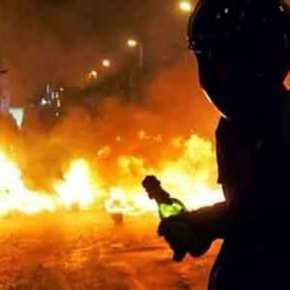 «Καμπούλ» η Αθήνα: Κουκουλοφόροι «βομβάρδιζαν» με μολότοφ επί 45 λεπτά ταΜΑΤ