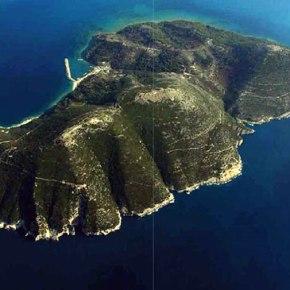 Νήσος Σάσων: Πώς παραχωρήθηκε στην Αλβανία με Νόμο. Μια νησίδα στρατηγικής σημασίας(1914)