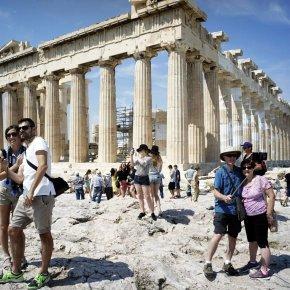 Ξεπέρασαν τα 30 εκατομμύρια οι τουρίστες το 2018 – Νέο ιστορικό ρεκόρ στον τουρισμό και αύξηση εισπράξεων κατά10%
