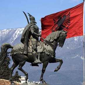 Τι εθνικότητας ήταν ο εθνικός ήρωας των Αλβανών, Γεώργιος Καστριώτης, o επονομαζόμενος«Σκεντέρμπεης»;
