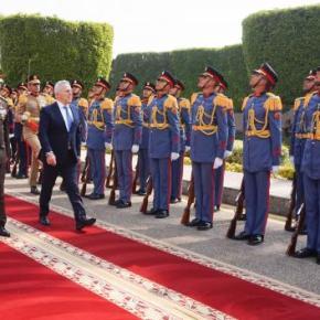 Ο Αποστολάκης υψώνει από την Αίγυπτο την ασπίδα των διμερώνσυνεργασιών