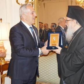 ΥΠΕΘΑ: Τον Αρχιεπίσκοπο Αμερικής συνάντησε ο Αποστολάκης με μήνυμα για την Τουρκία –ΦΩΤΟ