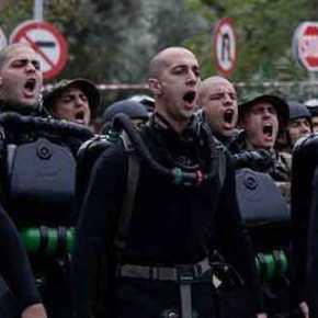 Μήνυμα στους εθνομηδενιστές από τα «βατράχια»: Τραγούδησαν το «Μακεδονία ξακουστή» παρά τηναπαγόρευση