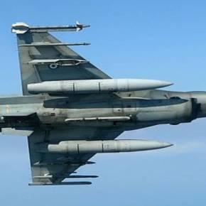 Ελληνικά F-16 σε χαμηλές διελεύσεις πάνω από τα Τίρανα (φωτό,)