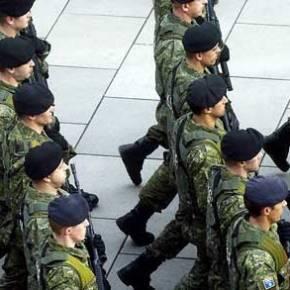 Χαμός στην Αλβανία με τις λιποθυμίες Αλβανών στρατιωτών κατά τη διάρκεια παρέλασης – Έπεφταν σαν τα…κοτόπουλα