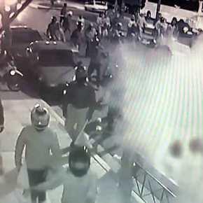 αρακράτος Σύριζα: Επίθεση 100 κρανοφόρων στην Χρυσή Αυγή – Έφυγαν τρέχοντας, δεν συνελήφθηκανείς!