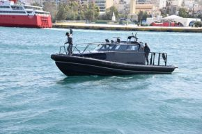 Πέντε ταχύπλοα σκάφη αξίας $2,4 εκατ. δωρεά της ΠΑΠΑΣΤΡΑΤΟΣ στοΛιμενικό