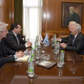 ΥΕΘΑ: Σημαντική συνάντηση Αποστολάκη με τον πρέσβη της Κύπρου –ΦΩΤΟ