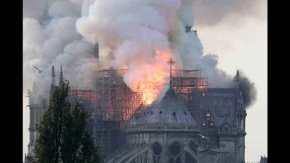 Συναγερμός στο Παρίσι: Στις φλόγες η Παναγία τωνΠαρισίων