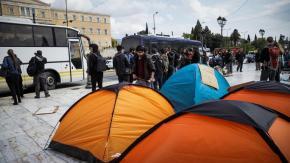 Αποχώρησαν οι πρόσφυγες από την πλατείαΣυντάγματος