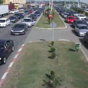 Σκόπια: Μεγάλες ουρές αυτοκινήτων προς τηνΕλλάδα