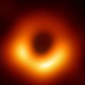 Η NASA έδωσε την πρώτη φωτογραφία μαύρης τρύπας «τέρας» στο κέντρο γιγάντιουγαλαξία