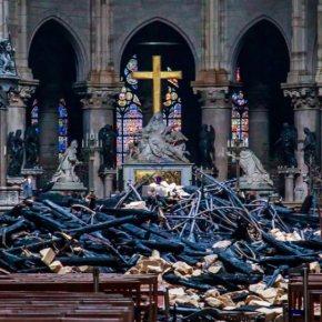 Ποιοι θησαυροί χάθηκαν και ποιοι σώθηκαν από την πυρκαγιά στην Παναγία τωνΠαρισίων