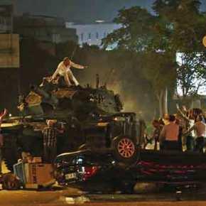 Προ εμφυλίου η Τουρκία – Αμερικανός αναλυτής: «Ο Ερντογάν έχει προκαλέσει μια τουρκικήΆνοιξη»