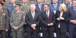 ΥΠΕΘΑ: Στη Σερβία ο Αποστολάκης για τη μέρα της νίκης –ΦΩΤΟ