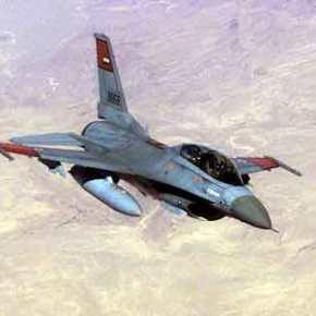 Αιγυπτιακά F-16 «σφυροκοπούν» Τούρκους μισθοφόρους στη Λιβύη – Αλ Σίσι: «Ισοπεδώστετους!»