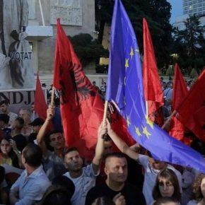 Δημοτικές εκλογές σήμερα στη φλεγόμενη Αλβανία… Ράμα εναντίονόλων