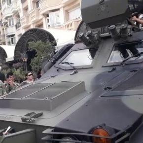Σκόπια: Παρουσίαση όπλων και εξοπλισμών στην κεντρική πλατεία τηςπόλης