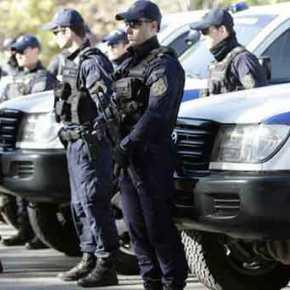 Νόμος & τάξη: Πάνοπλοι κομάντο της αστυνομίας στην Αθήνα, περιπολούν με βαρύοπλισμό