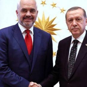 Ταξίδι-«αστραπή» του Ε. Ράμα στη Τουρκία, συναντήθηκε με τον Ερντογάν – Η Άγκυρα έστειλε αποβατικό στοΔυρράχιο