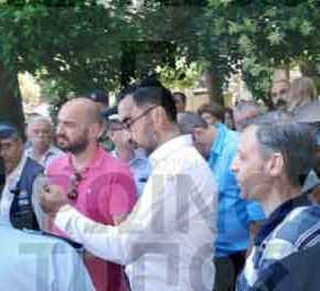 Aποδοκιμάστηκε βουλευτής του ΣΥΡΙΖΑ στην Δράμα για την εκχώρηση της Μακεδονίας: Ζήτησε την σύλληψη του πλήθους!(βίντεο)