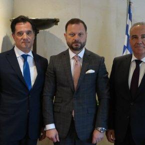 Υπουργείο Ανάπτυξης και ΟΝΕΧ συζητούν για το μέλλον των ναυπηγείων Σύρου κιΕλευσίνας