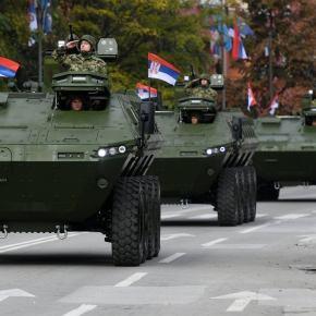 H Ρωσία έστειλε στρατιωτικό εξοπλισμό στη Σερβία: Παραδόθηκαν 10 τεθωρακισμένα στο Βελιγράδι – Κρίση ανάμεσα σεΡωσία-Ρουμανία