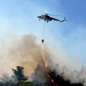 Στις φλόγες η Σμύρνη – Πύρινη «κόλαση» στα παράλια – Τουρκικά ΜΜΕ: «Μας καίνε οιΚούρδοι!»
