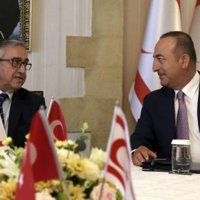 Ο Τσαβούσογλου απειλεί την Κύπρο: Μοιραστείτε το φυσικό αέριο πριν να είναι πολύαργά