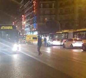 Συμπλοκή αλλοδαπών μέσα σε λεωφορείο στη Θεσσαλονίκη – Εντρομοι οι επιβάτες έτρεχαν να σωθούν(φωτό)