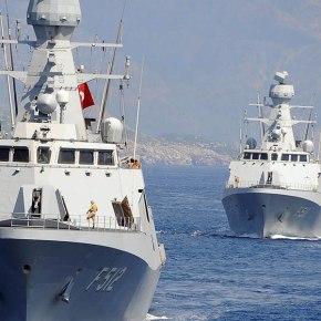 Εκρηκτικό κλίμα σε Αιγαίο & Α. Μεσόγειο: Αρμάδα πλοίων βγάζει η Τουρκία – «Εχθροί μας Eλλάδα, ΗΠΑ &Ισραήλ!»