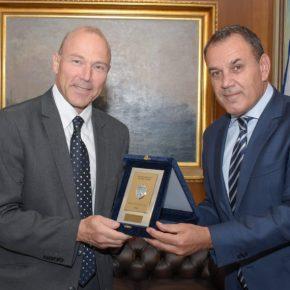 ΥΕΘΑ: Θέματα αμυντικής συνεργασίας συζήτησε με τον Τσέχο πρέσβη ο Υπουργός[pic]