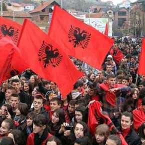 Στάζουν μίσος οι Αλβανοί: Eτοιμάζουν μπλόκα στα σύνορα την ημέρα του μνημόσυνου τουΚατσίφα