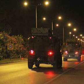 ΕΚΤΑΚΤΟ: Παγκόσμιος συναγερμός – Τουρκικά άρματα & οχήματα με δεκάδες στρατιώτες ετοιμάζονται για εισβολή στη Β.Συρία